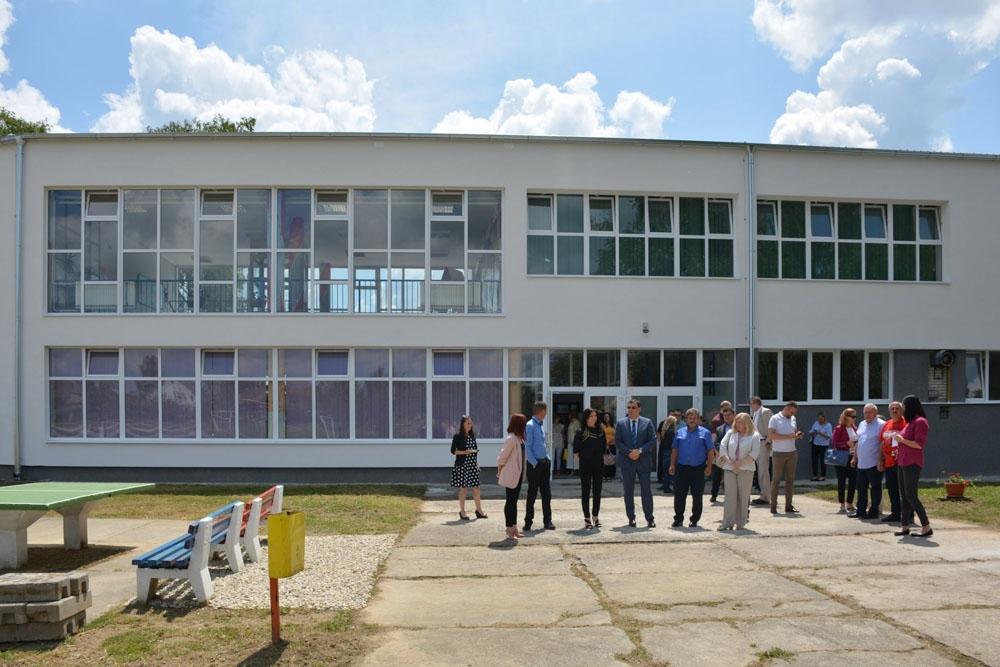 Obnovljene Skole U Grubisnom Polju Zupan Bajs Ucenici Roditelji