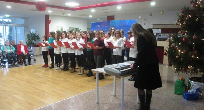 Božićna priredba učenika III. osnovne škole Bjelovar u Vita Nova