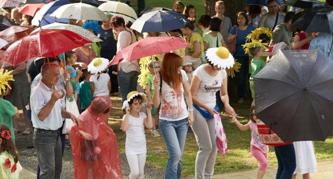 POKISLA POVORKA: Kiša je dobra za cvijeće – ali ne na paradi