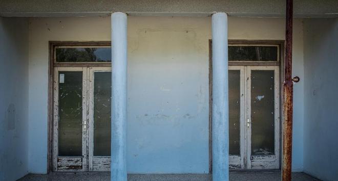 Zakovana školska vrata