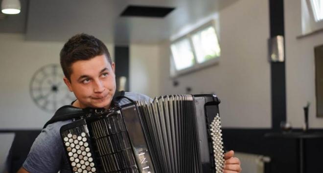 Harmonikaš iz Velikog Grđevca kreće na studij glazbe u Kragujevac