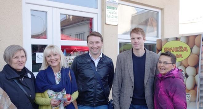 Ishranom protiv malignih oboljenja – jabuke na bjelovarskoj tržnici
