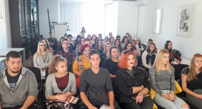 Učenici Medicinske škole u Konfucijevom institutu u Zagrebu