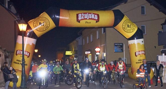 Bjelovarska »Noć vještaka« na dva kotača i Halloween party u Mario baru