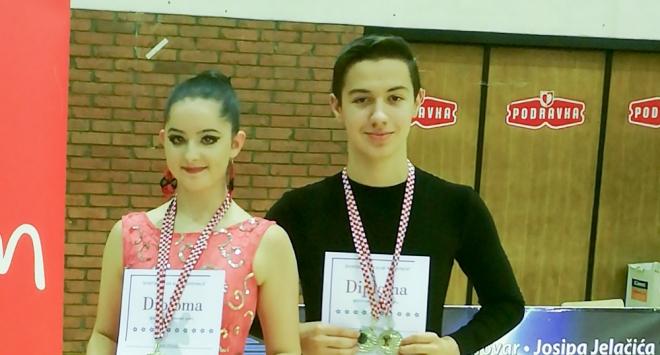 Plesači »H-8« srebrni u Koprivnici