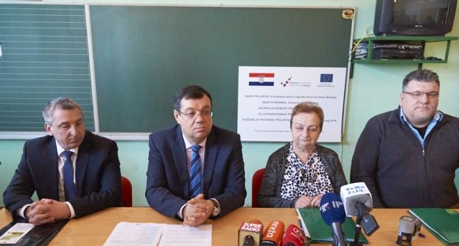 Župan Bajs i ministar Štromar potpisali prvi ugovor o energetskoj obnovi