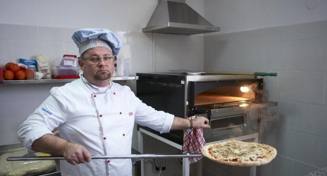 Od prekjučer se u Bjelovaru nudi prava, izvorna pizza