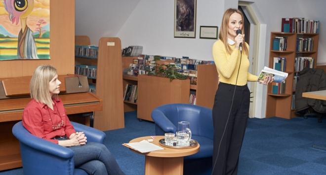 Poznata pjevačica i književnica predstavila knjigu o svojoj borbi s opakom bolešću