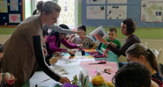 Učenici u Trojstvu sami izradili uskršnje ukrase za školu i dom