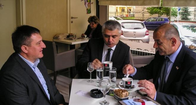 Ministar Medved u svome kraju!