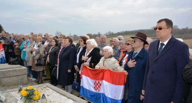 Župan Bajs kao izaslanik predsjednice na komemoraciji u Donjim Mostima