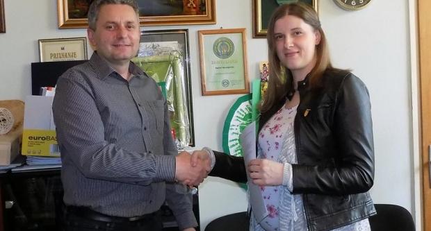 Hercegovac nudi potporu mladim parovima, potpisana prva tri ugovora
