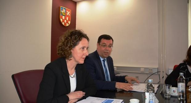 Damir Bajs s ministricom kulture Ninom Obuljen Koržinek