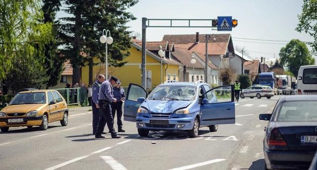 Auto udario dvije curice u Štefanju