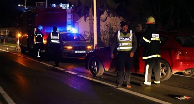 Pri pretjecanju poginuo motorist, nakon toga pijanac se sudario s policijom tijekom očevida