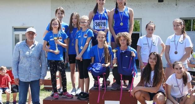 Dva prva mjesta mladih bjelovarskih atletičarki u Jasenovcu