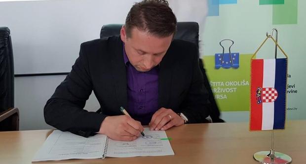 Brajdić potpisao ugovor o financiranju informiranja o odvajanju otpada