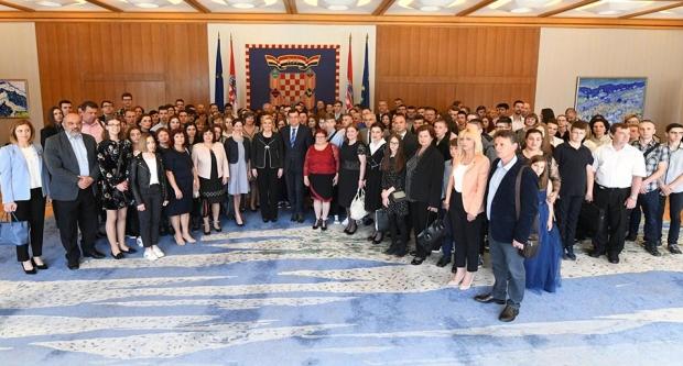 Župan Damir Bajs s najboljim učenicima na prijemu kod predsjednice Republike Hrvatske