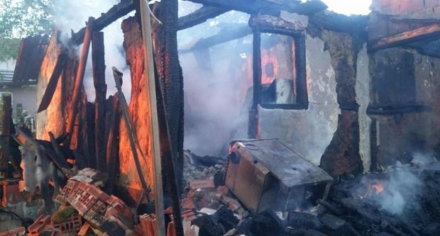 U požaru u Paljevinama izgorjela kuća i radionica
