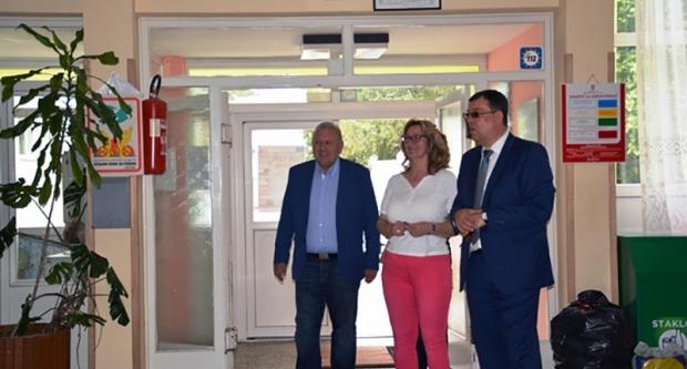 Bajs u Siraču u energetski obnovljenoj školi