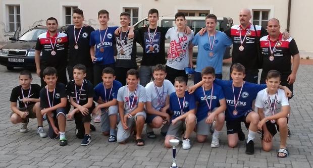 Bjelovarski rukometni dječaci brončani u Umagu