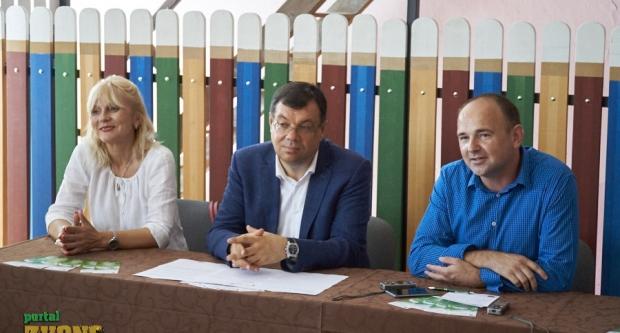 Bajs na konferenciji o obnovi škole u Severinu