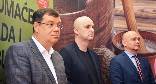 Bajs u Garešnici s ministrom Tolušićem