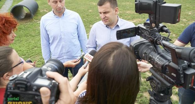 Gradonačelnik Hrebak i zamjenik Brajdić otvorili park za pse