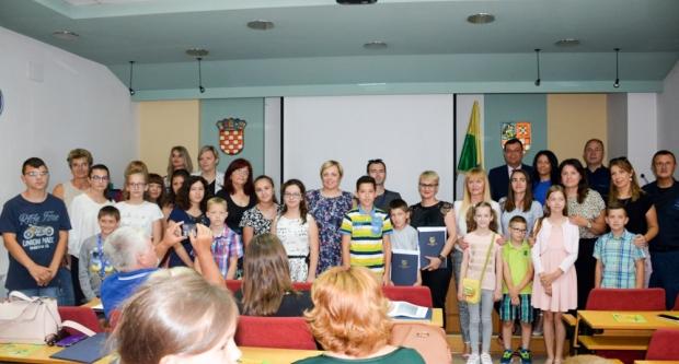 Župan Bajs dodijelio priznanja za nabolje učeničke radove