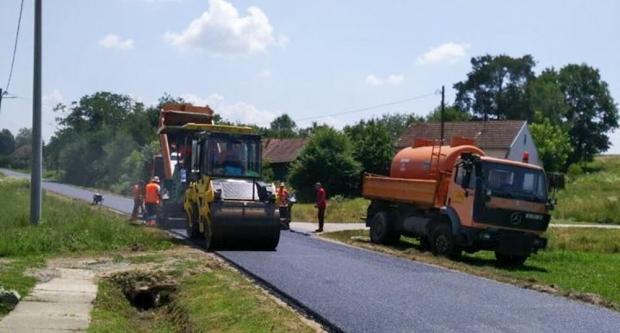 Novi asfalt u Ladislavu