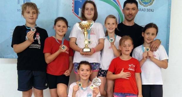 Osam medalja i tri pehara za Omegu u Senju