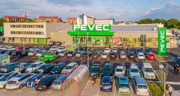 Pevec otvorio novouređeni prodajni centar i nove poslovne urede u Bjelovaru
