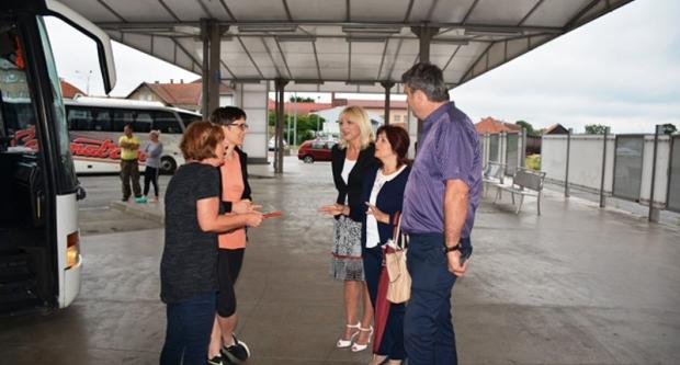 Bojana Hribljan ispratila učenike koji su krenuli u Tkon