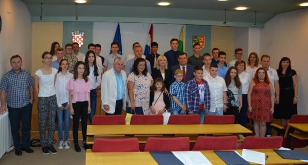 Damir Bajs nagradio učenike za uspjeh na državnoj razini