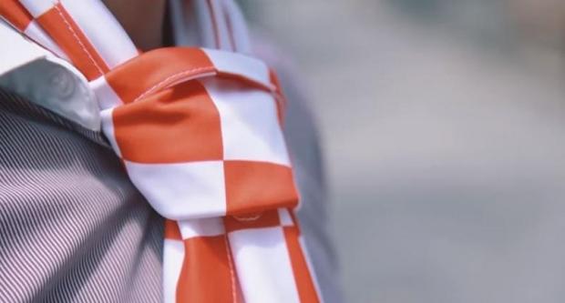 Kravat pukovnija poziva navijače da navijačke šalove vežu kao kravatu